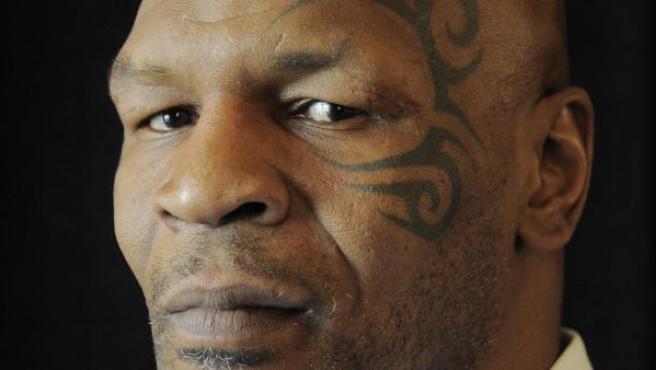 Mike Tyson sigue sin encontrar rival para su esperado regreso a los rings