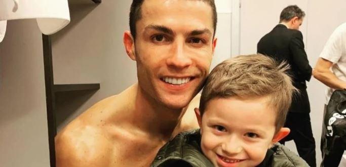 """El piropo del Papu Gómez a Cristiano Ronaldo: """"Es hermoso como Ken, el de Barbie"""""""