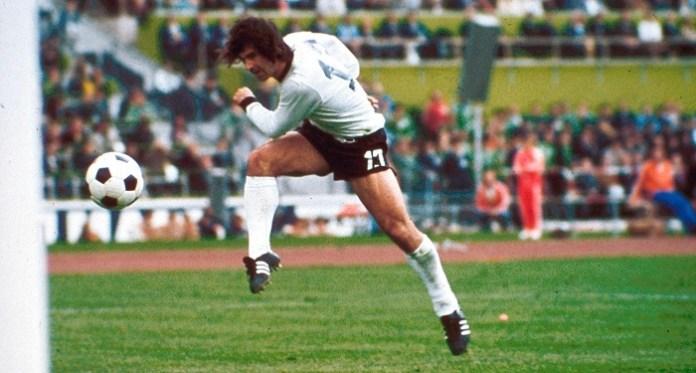 Gerd Muller 727 goles