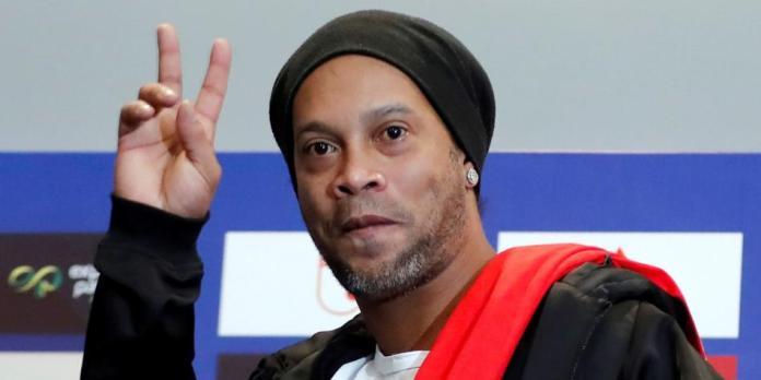 En Brasil: Ronaldinho presenta película sobre su vida