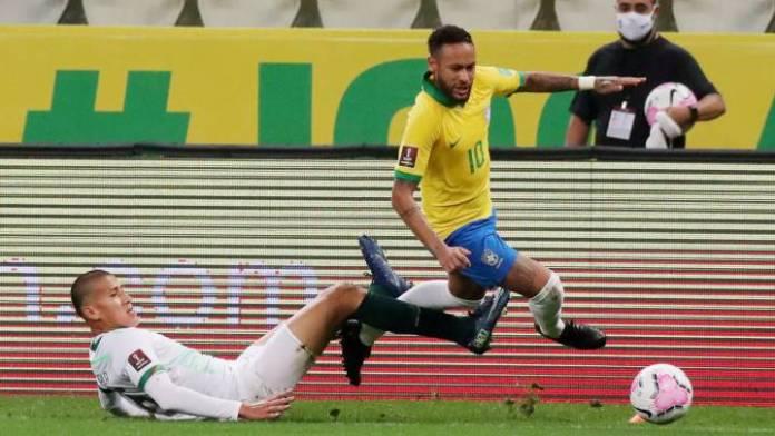 Neymar abusa de Bolivia y bate un récord de regates de Adama