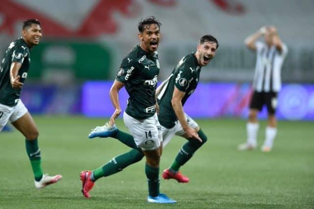 Palmeiras goleó a Libertad y es el primer semifinalista de la Libertadoresq