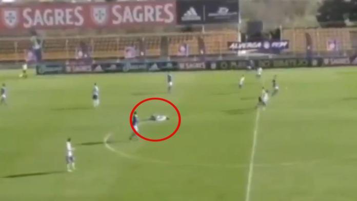 Alex Apolinario, futbolista de Tercera División de Portugal, sufre un infarto en pleno partido