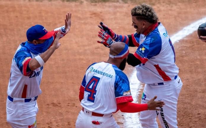 República Dominicana doblegó 5- 1 a Puerto Rico en la Serie del Caribe