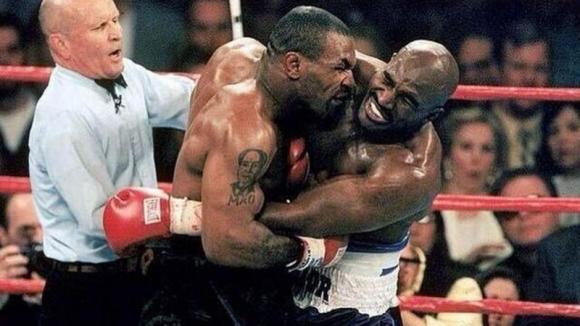 ¿Que pasó con la oreja que Tyson le arrancó a Holyfield?