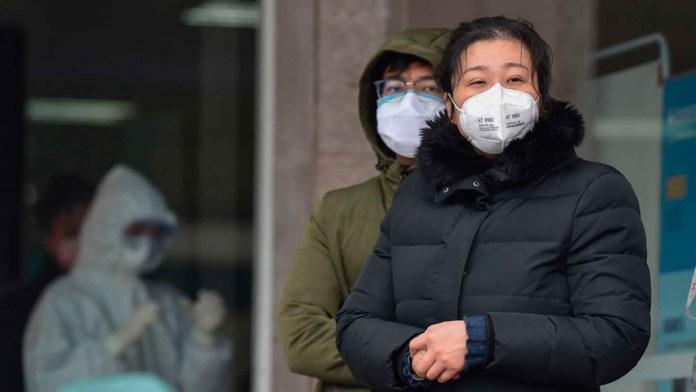 Sube a 26 los muertos por el coronavirus y más de 880 casos en China