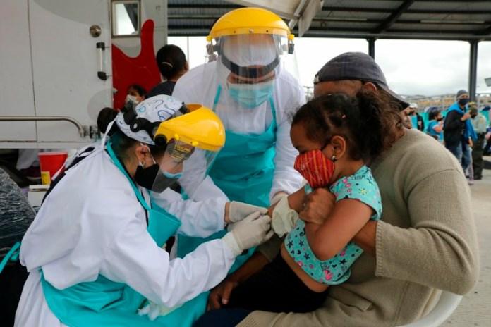 Venezolanos en Bogotá recibieron atención médica antes de regresar al país