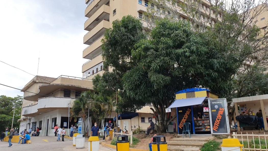 85 pacientes en aislamiento covid-19 del Hospital Central