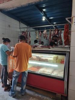Puesto de venta de carne en la frontera.