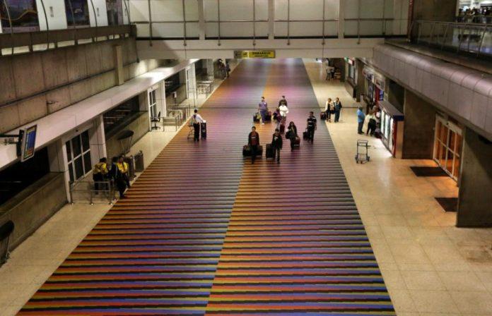 ¿Cuánto cuesta actualmente abordar un avión desde Venezuela con destino internacional?