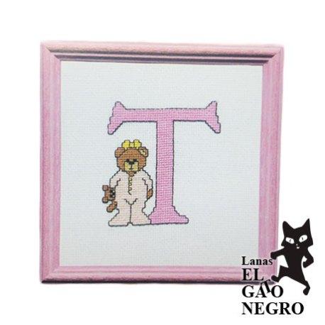 bordado letra T osita rosa