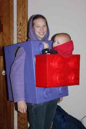 Disfraz lego bebe en mochila