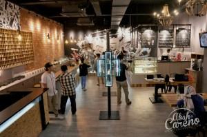 Hipster! Cafe K4M1 Lounge bertemakan vape hanya sediakan menu diet