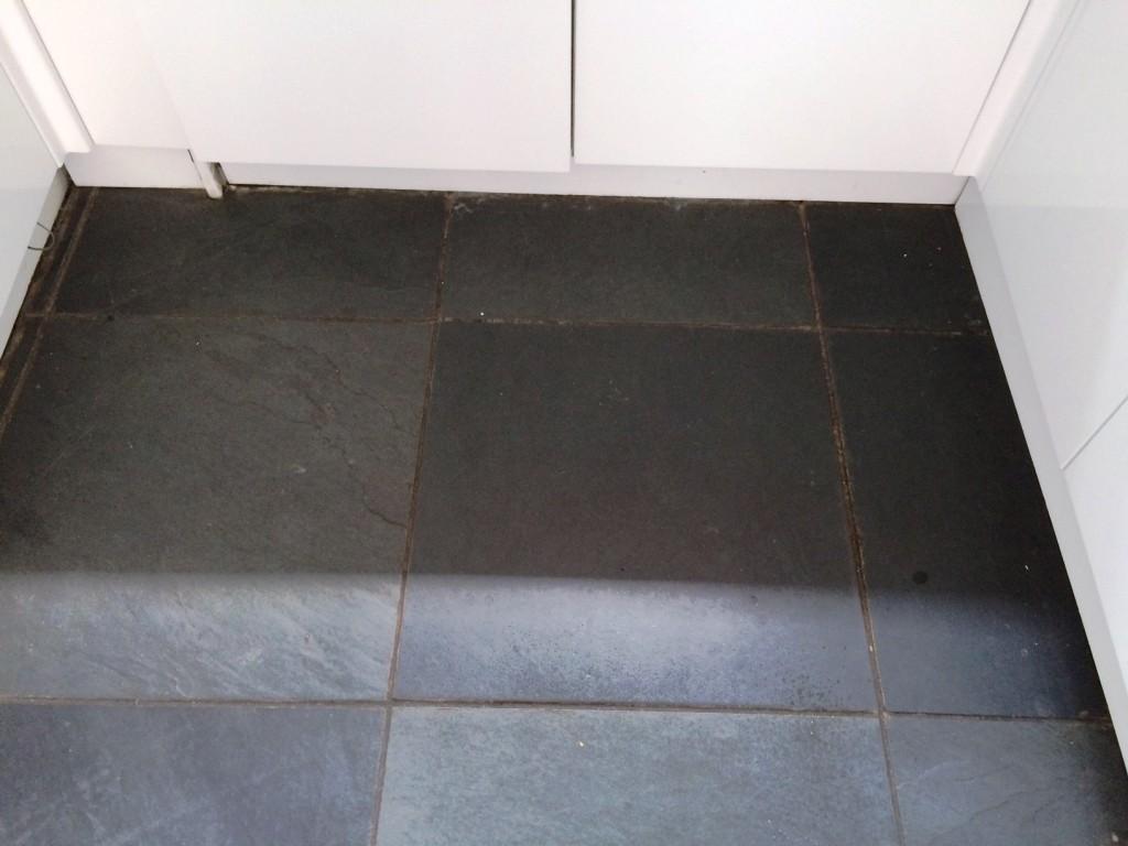 black brazilian slate tiles
