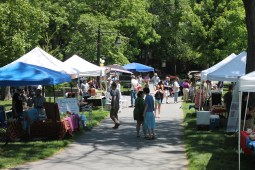 Market Sunday. Photo: Ali & Paul Co.