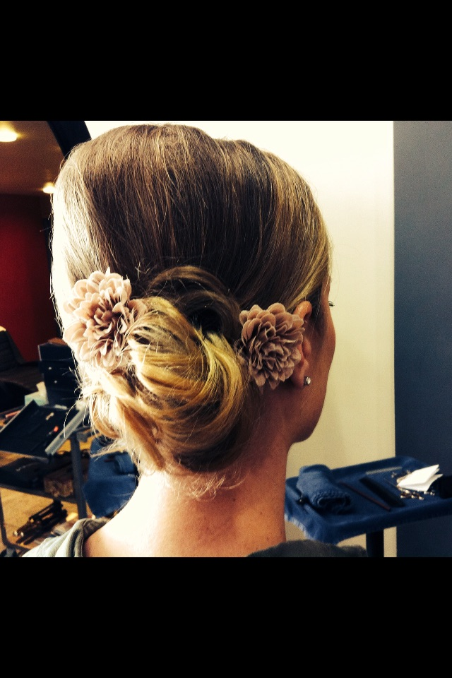 hairstyles and makeup for brides