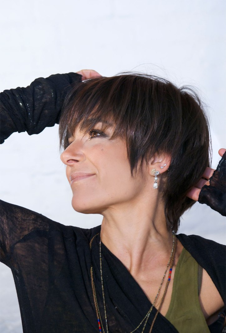 pictures of short hairstyles-short shaggy hair