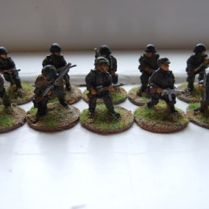 Pz grenadiers advancing
