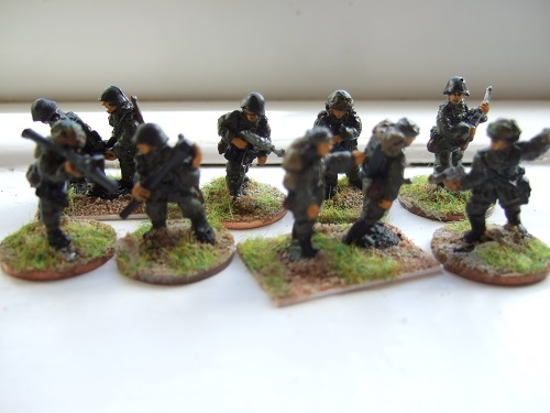 Platoon comm section advancing