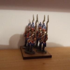 6x British grenadiers advancing