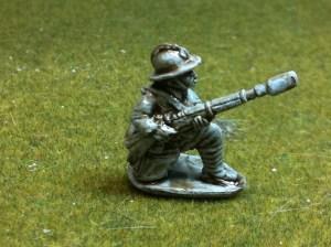 2x Kneeling firing rifle grenade