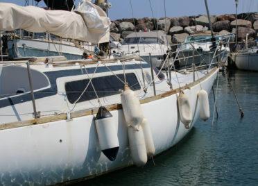 Notre voilier et ses parre-battages