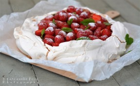 Strawberry Pavlova with Rhubarb compot