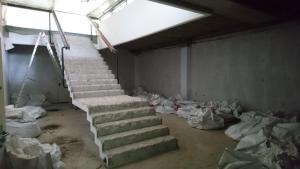 Die Treppe, die vom Foyer der Therme hinabführte. (Foto: Stadt Bad Nauheim)