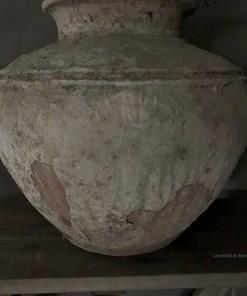 Oude stenen waterkruik Aura Peeperkorn