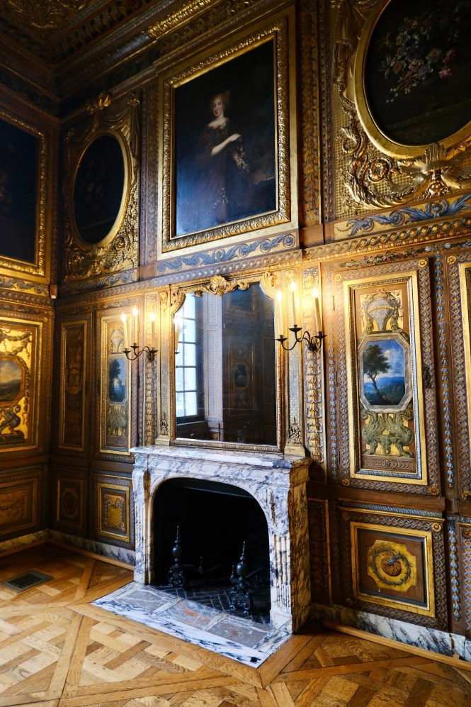 Fireplace in the Bibliothque at Hôtel de Lauzun