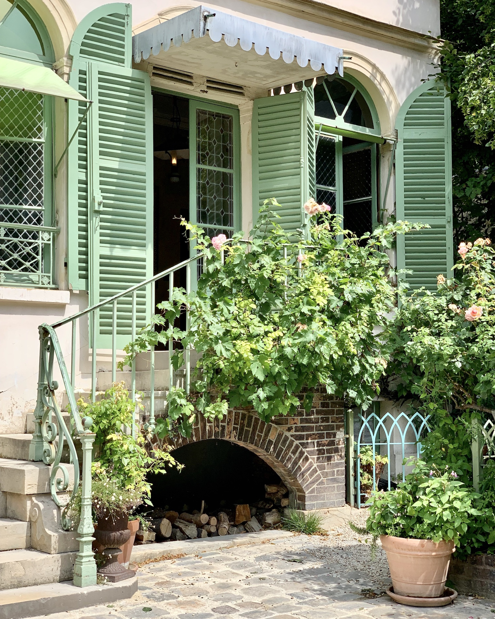 The romantic Musée de la Vie Romantique is a good for a perfect Valentine's Day in Paris