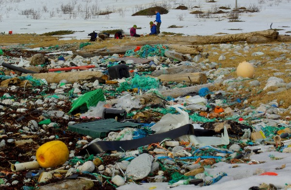 Ocean Litter The Plastic Trash Marine Menace And The