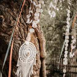 Traubogen | Trauhintergrund alter Baum mit Makramee