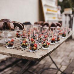 Baumkuchen und Obstsnack Hochzeit Empfang