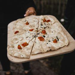 Flammkuchen zum Empfang bei der Hochzeit | Tomate-Mozzarella
