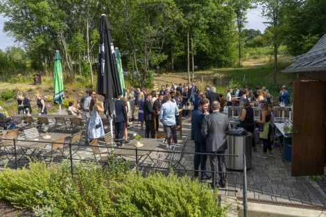 Sektempfang Hochzeitsemfpang Gartenhochzeit Freie Trauung