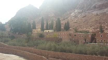 Excursion climbing the mountain of the Prophet Moses from Sharm El Sheikh: photo of the mountain and the monastery of St. Catherine