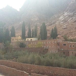 رحلة تسلق جبل موسى من شرم الشيخ