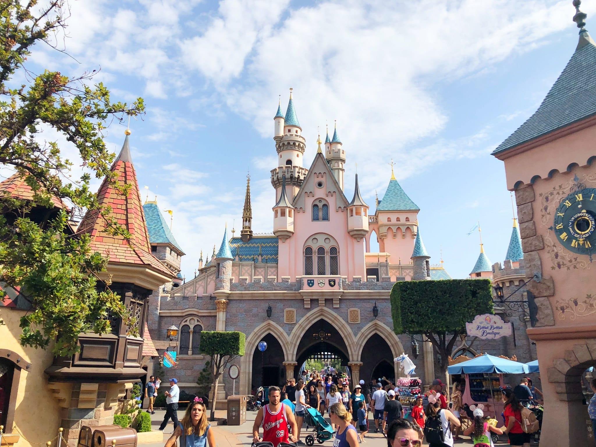 Etw 3 Disney 2019 Travel Tips Interview With Sarah Hina