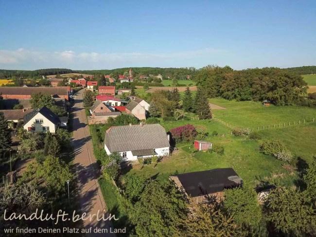 Bauernhaus am Oberuckersee Blick zum Ort