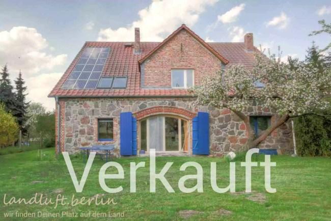 Feldsteinhaus in uckermärkischem Dorf mit Badesee zu verkaufen
