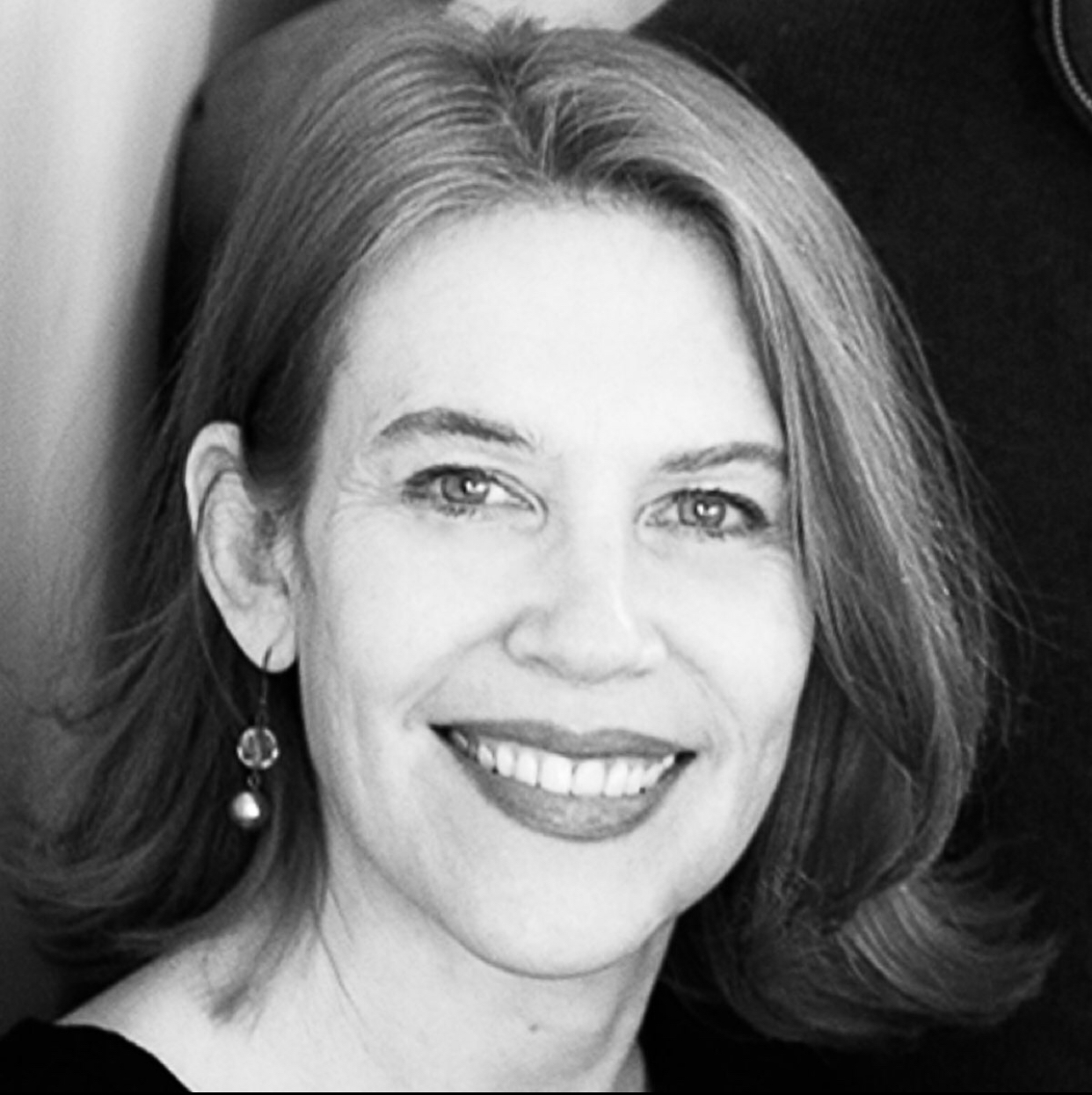 Joanna Delson Bio Photo