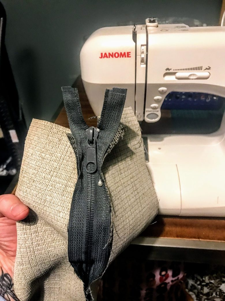 Inserting a zip into a sofa cushion