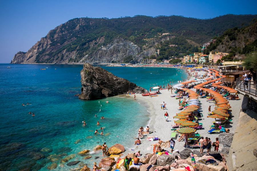 A view of the beaches in Liguaria Cinque Terre
