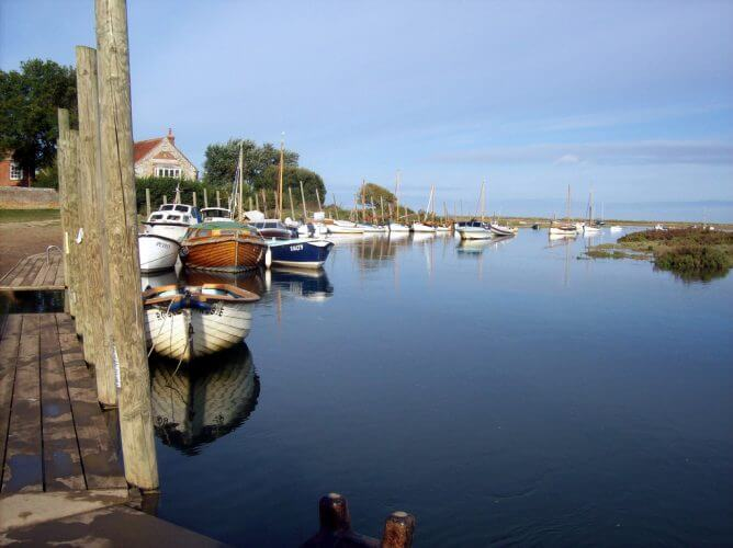 A picture of blackeney harbour in England