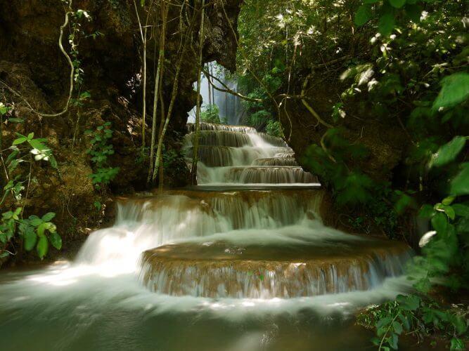 The beautiful Boca da Onca Waterfall in Bonito
