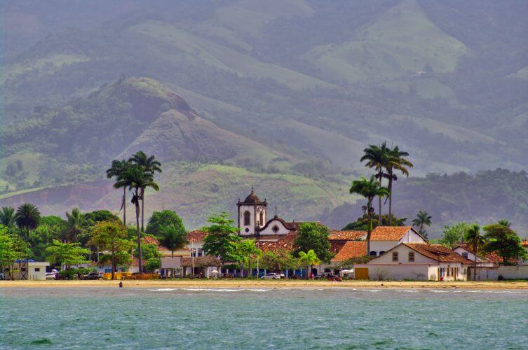 A view of Paraty as seen from a boat.