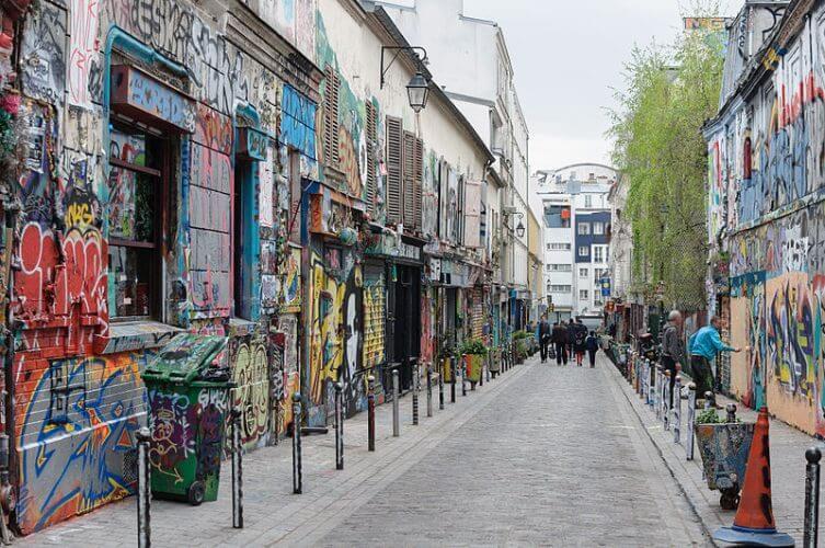 Art work on show at the rue Denoyez in Paris