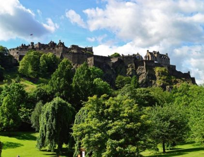 An image of the famous Edinburgh castle