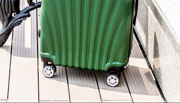 An image of a 4 wheeled carry-on luggage